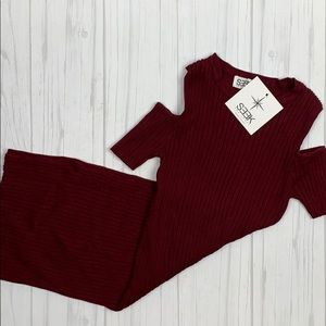 LF Seek the label burgundy cold shoulder dress